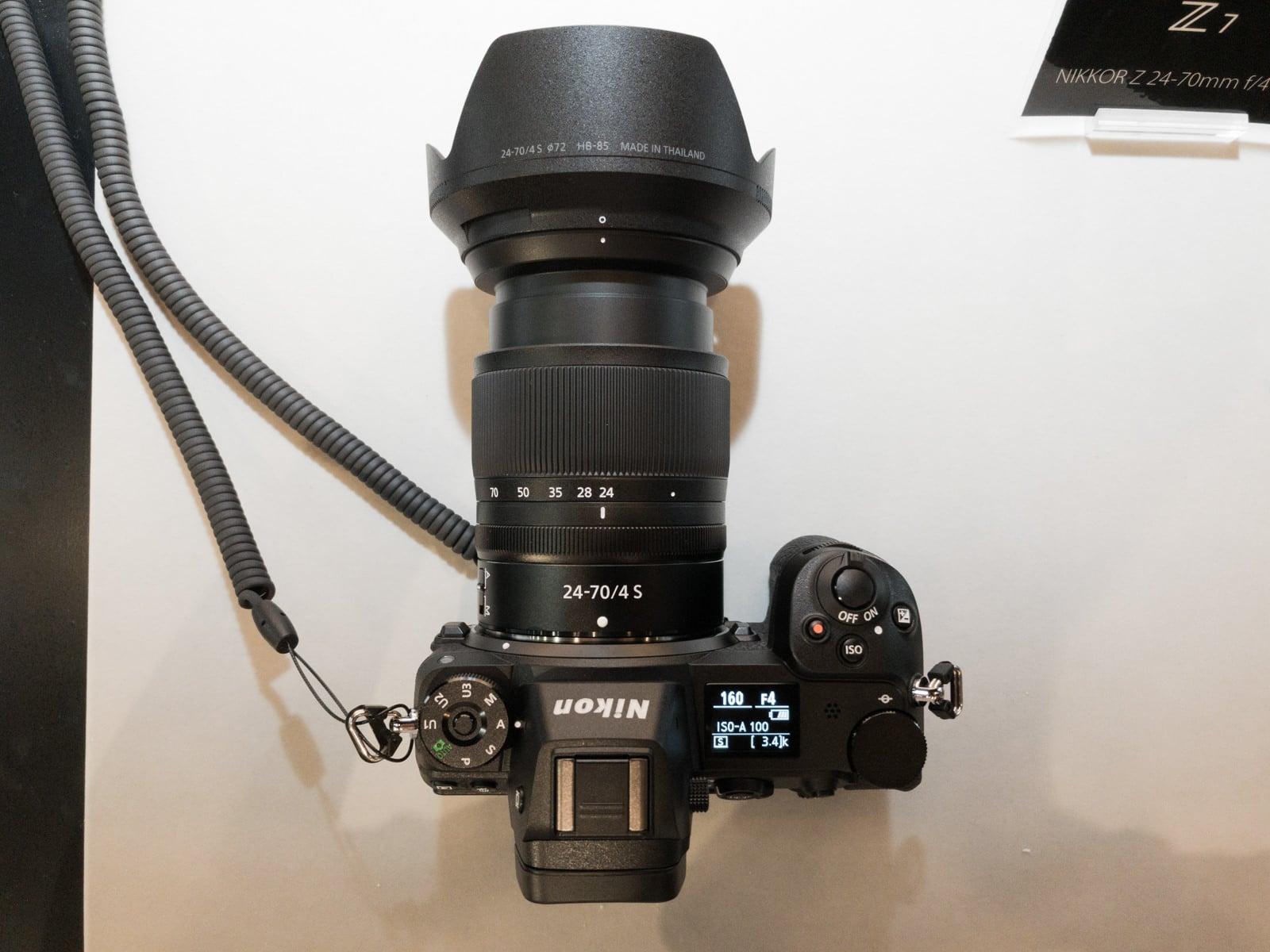 Nikon Z7 24mm時の大きさを上から撮影