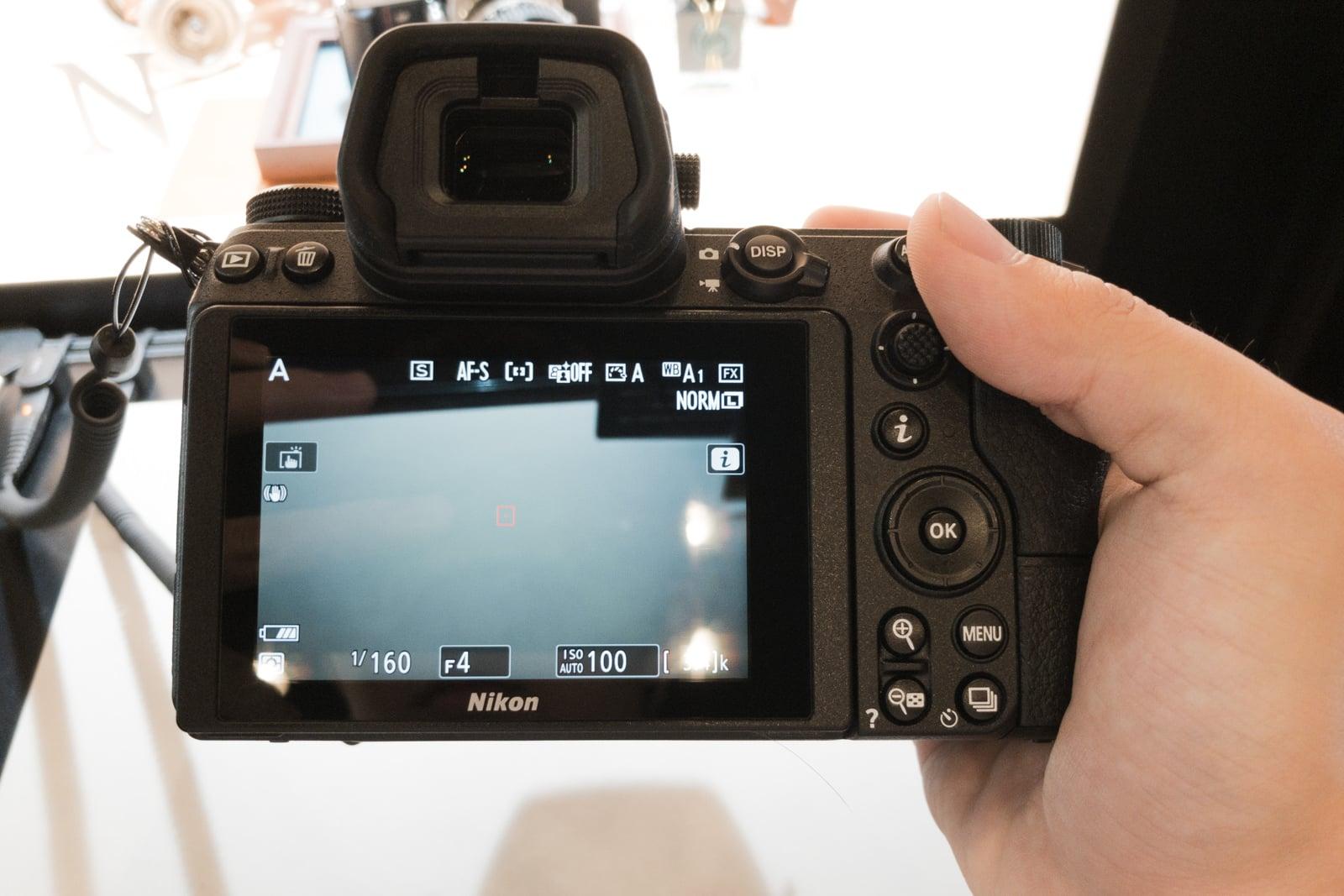 Nikon Z7の背面モニターとボタン類