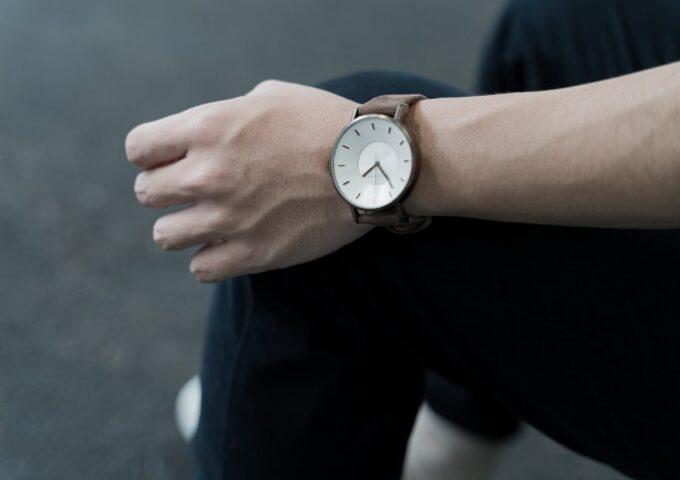 ブラウンの質感が美しい。イタリア製の腕時計『KLASSE14 VINTAGE GOLD BROWN』レビュー【PR】