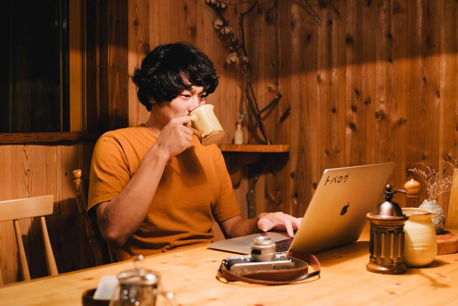 コーヒーを飲みながらブログを書いたり