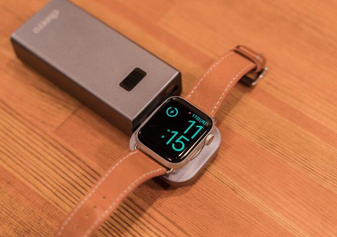 USB Type-C端子からApple Watchを充電できる、SatechiのMFi取得済み充電ドックをチェック