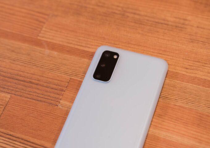 薄さ0.3mm!Galaxy S20 5Gを傷から守るmemumiの薄型ケースをレビュー