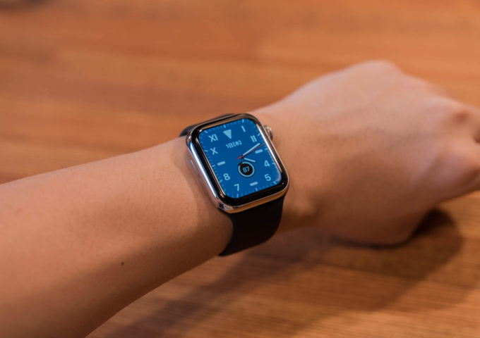 Apple Watch用純正『ソロループ』レビュー。装着感が心地よい個人的ベストバンド