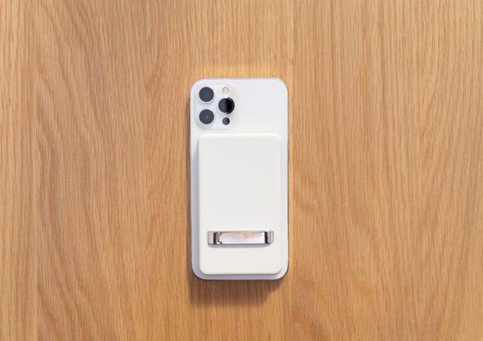 サードパーティー製のMagSafe対応モバイルバッテリーを買ってみた。問題なく使えて普通に便利な一品